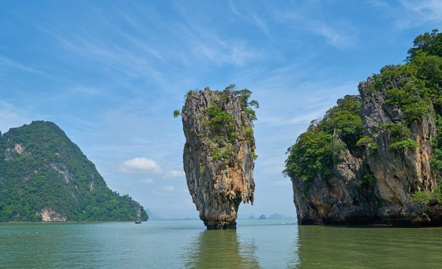 Тайланд отлага отварянето за туристи на градове, но дава достъп до плажове