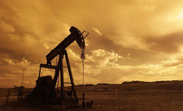 Петролът поскъпна до тригодишен връх