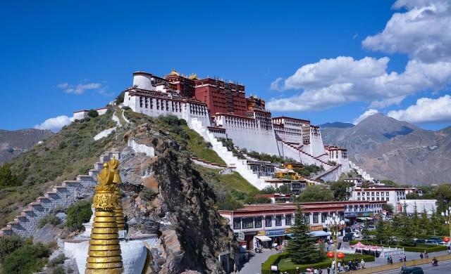 10 от най-впечатляващите дворци в света