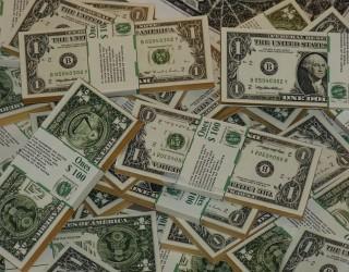 Защо доларът може да не мръдне много от настоящите нива до края на 2022 г.?