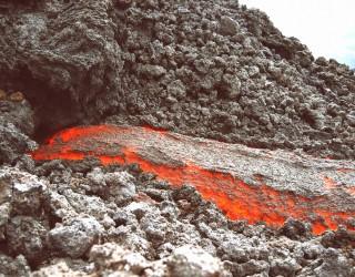 Къща се спаси като по чудо от изригналия на Канарските острови вулкан
