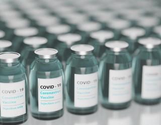 Джо Байдън с трета игла ваксина срещу COVID-19 (видео)