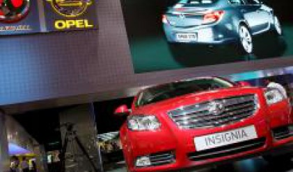 Opel спира временно производството в два от заводите си в Германия