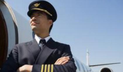 Хирурзи, директори и самолетни пилоти взимат най-много пари в САЩ