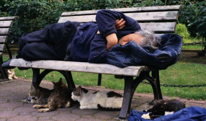 Линията на бедността достигна 211 лв.