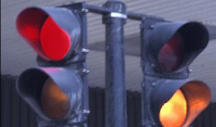 1000 шофьори на ден минават на червено в София