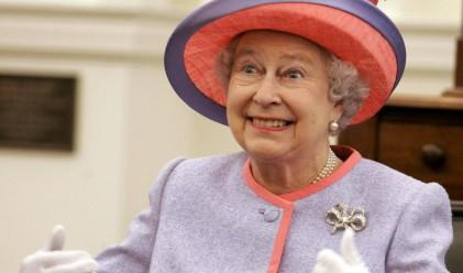 Кралица Елизабет оставя служителите без Коледно парти