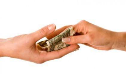 3 700 богаташи укрили 1.3 млрд. лв. доходи