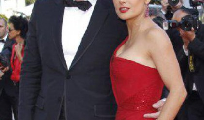 Салма Хайек не бърка в портфейла на мъжа си