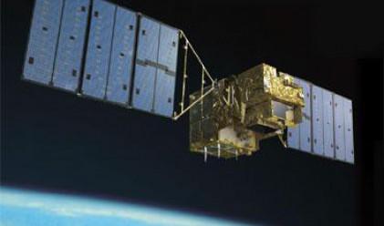 Втори сателит препусна към Земята