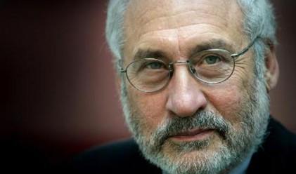 Стиглиц: Намаляването на дефицита ще убие икономиката
