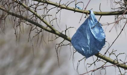 Потреблението на найлонови торбички пада
