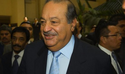 Карлос Слим губи 11 млрд. долара, но oстава най-богатият