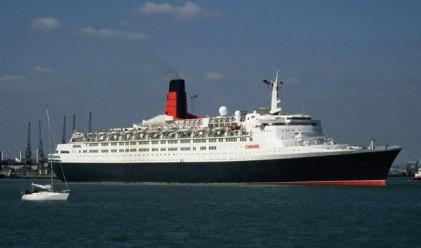 Най-големият круизен кораб акостира край Несебър