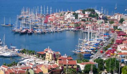 Близо 40 български туристи изоставени в турски курорти