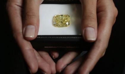 Магазин предлага бонус пушка, ако купите пръстен с диамант