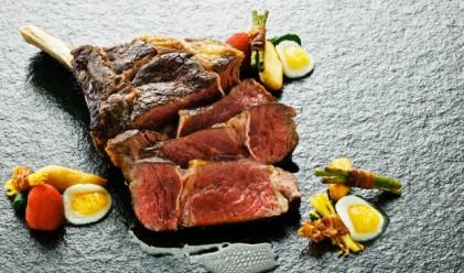 Изненадващ брой пияни вегетарианци тайно ядат месо