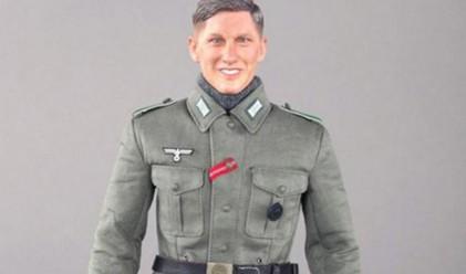 Германски национал съди компания за играчки заради нацистка кукла