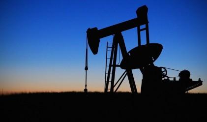 Петролът се устремява към четвърта поредна печеливша сесия