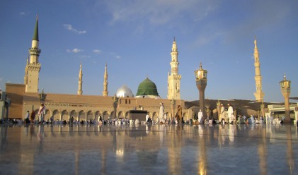Саудитска Арабия минава към Грегорианския календар, за да пести