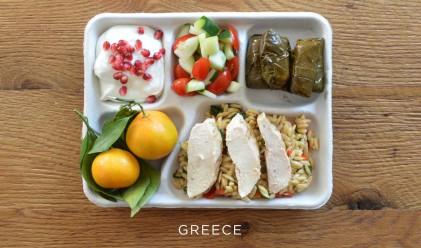 Как изглежда училищният обяд в различните държави по света