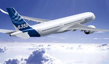 Защо седалките в самолета не са на една линия с прозорците
