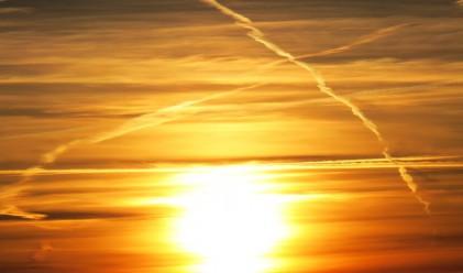 Защо самолетите оставят следи в небето