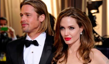 Брад Пит и Анджелина Джоли продадоха една от къщите си