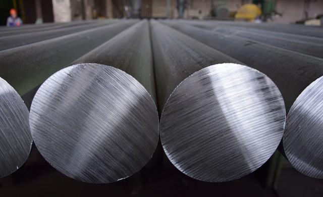Kobe Steel лъгала с данни за метали, използвани в самолети и коли