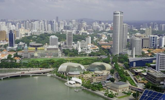 Сингапур замразява броя на колите, вече няма място