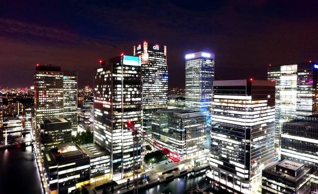 Великобритания губи 17 млрд. паунда годишно заради бягащите банки