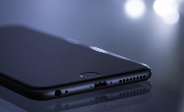 Apple оправя част от проблемите на iPhone XS със софтуерен ъпдейт
