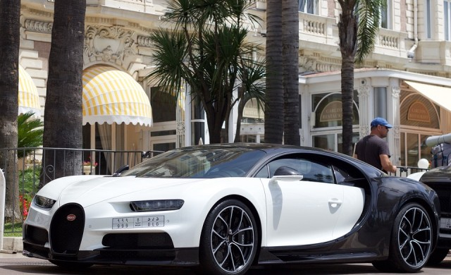 Колко струва да си наемeш Bugatti за ден?