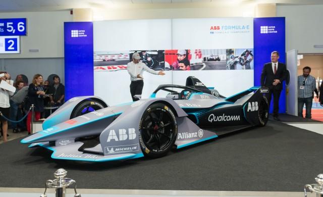Представиха у нас новото поколение електрическа състезателна кола