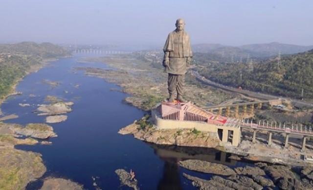 Откриха най-високата статуя в света (снимки)