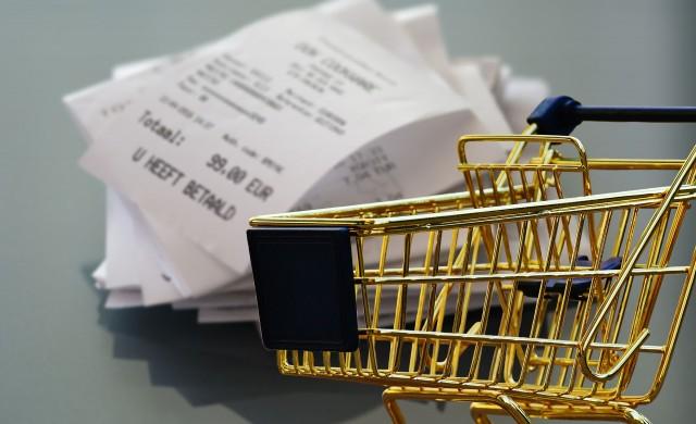 Оборотът в търговията на дребно се понижава през август