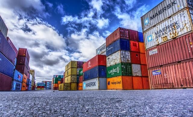 Износът расте, вносът намалява