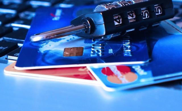 Британска банка тества кредитна карта с пръстов отпечатък