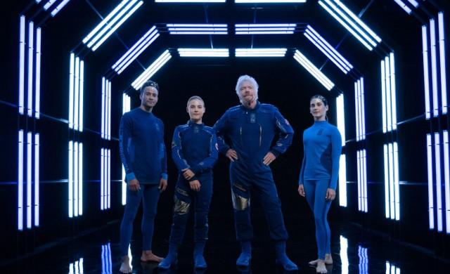 Virgin Galactic представи космическите си костюми