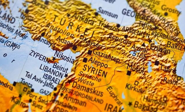 300 000 сирийци са напуснали домовете си заради турската операция
