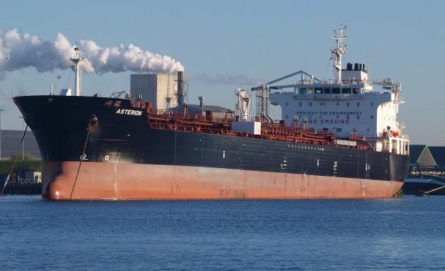 Корабните превозвачи търсят алтернатива на дизеловото гориво