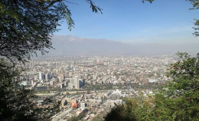 Извънредно положение в Чили след бунт срещу по-скъпия транспорт