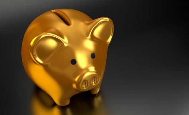 Швейцарски банки ще таксуват милионерските депозити