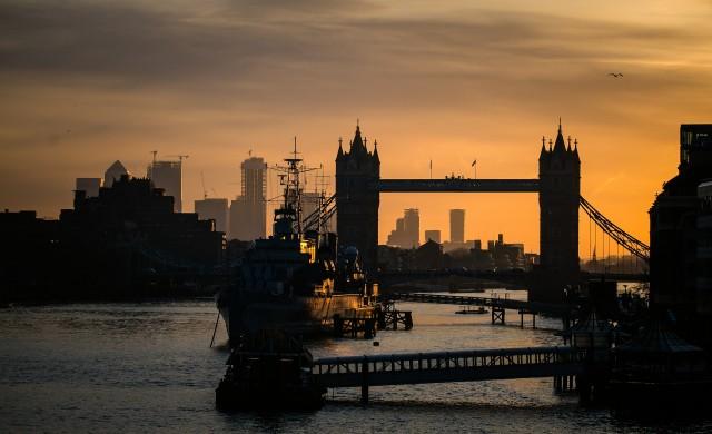 Защо се свива британският капиталов пазар?