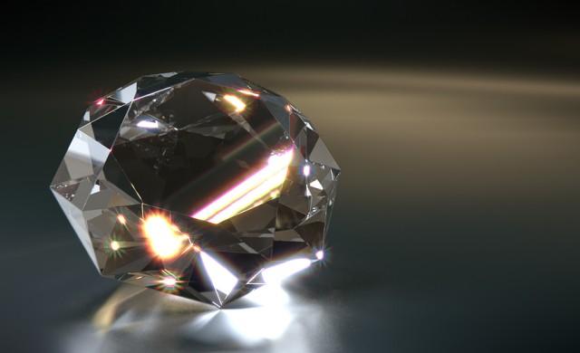 Продадоха рядък бял 102-каратов диамант за 15.7 млн. долара (снимки)