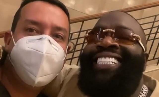 Колумбийският стоматолог, който работи по усмивките на звездите