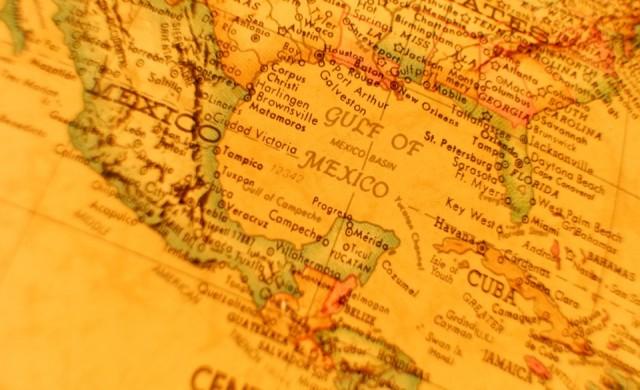 Натоварен с кокаин самолет падна в Мексико след въздушна гонка