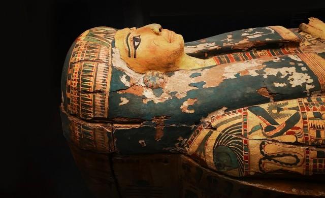 Отварянето на саркофаг на 2500 г. в Египет се превърна в сензация (видео)