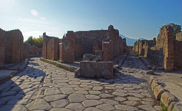 Туристка върна откраднати артефакти от Помпей, били прокълнати
