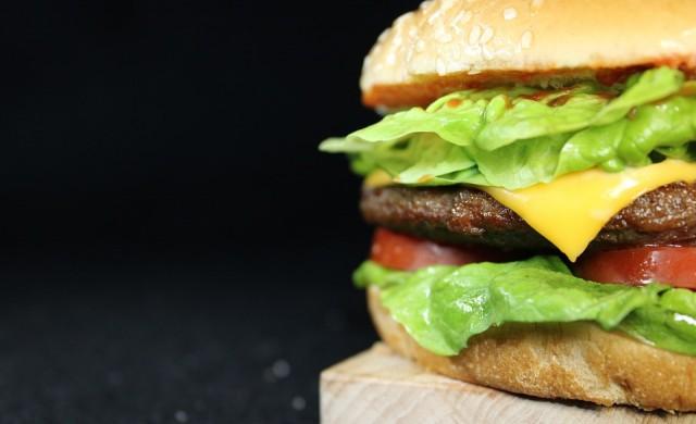 Неоторизирана реклама на Burger King се превърна в хит (видео)